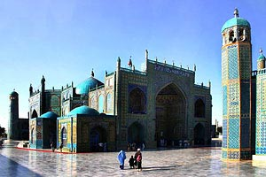 The historic blue mosque in Mazar-e-Sharif, Afghanistan - Photographer: Steve Evans