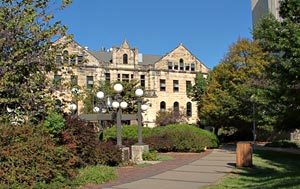 The Bluemont Bell and Dickens Hall at Kansas State University in Manhattan, Kansas, USA - Photographer: Kevin Zollman